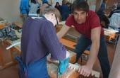 russia_irkutsk_taigagold_schueler-werkstueck_sticksaege_lehrer-pedro-may_realschule-traunreut