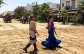 Spanien_Andalusien_Rocio_Wallfahrt_Pfingsten_Pferde_Flamenco-Kleid-Frauen