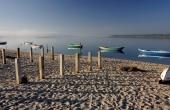 portugal_mitte_obidos_lagoa_frueh-nebel_boote