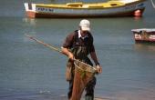 portugal_mitte_obidos_lagoa_kite_fischer-mann_kescher