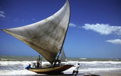 Ceara, Canoa Quebrada: Jangadeiros fischen immer mehr Touristen und immer weniger Fische