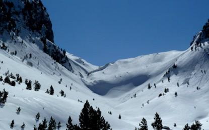 PROKLETIJE Gebirge, VUSANJE, ROPOJAN Tal in Montenegro: Zwischen Montenegro & Albanien, Gipfel JEZERCE & ARAPI (Revier 4)