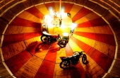 marokko-fes-le-mur-de-la-mort-todesmauer-tonne-motorbikes