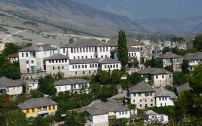Gjirokastra: Der Geburtsort des Diktators Hoxha glänzt mit einem historischem Stadtkern als wäre es eine Filmkulisse