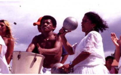 Ceara, Cumbuco: Macumba-Glaube, das Dorf Cumbuco ruft seine Ahnen herbei