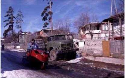 KLEINER KAUKASUS: Skidoos und Skilifte in BAKURIANI