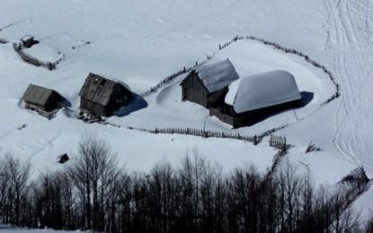 BJELASICA Region, JEZERINE, östlich Kolasin: Skitouren auf breiten baumlosen Hängen (Revier 2)
